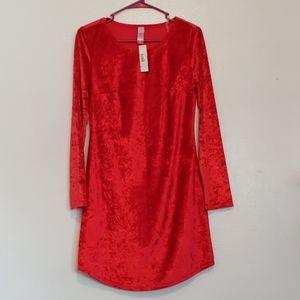 NWT holiday red velvet long sleeve dress